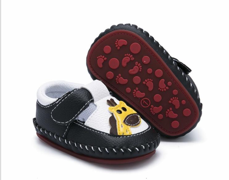 Пінетки-туфлі білі з кожзаму з жирафами пинетки 12
