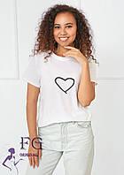 Женская белая футболка с сердцем  В 008/01