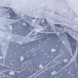Клапоть фатину білого кольору з різними білими оксамитовими сердечками, розмір 25*150 см