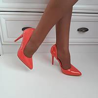 Туфлі жіночі рожеві на каблуку 39р