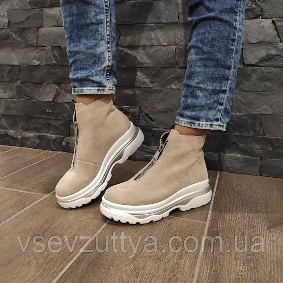 Ботинки женские бежевые екозамша 39р