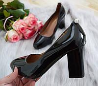 Туфли женские на каблуке черные лаковые