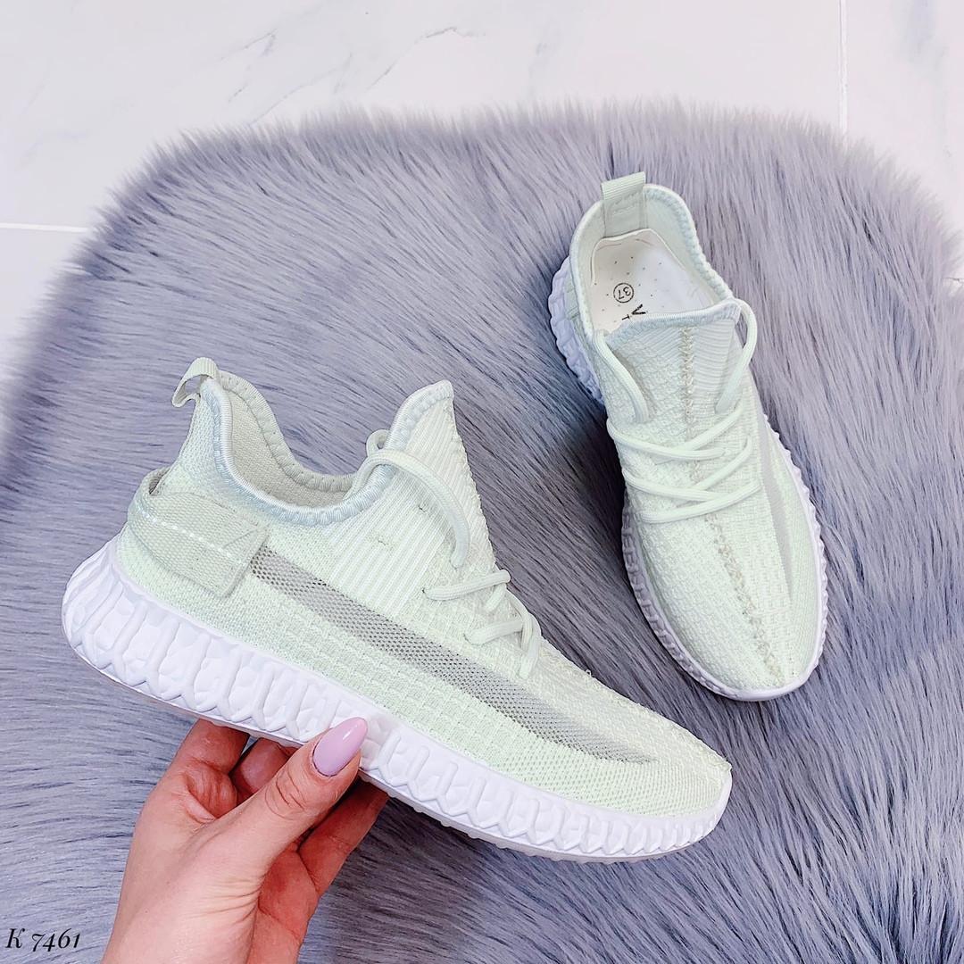 Светло зеленые кроссовки