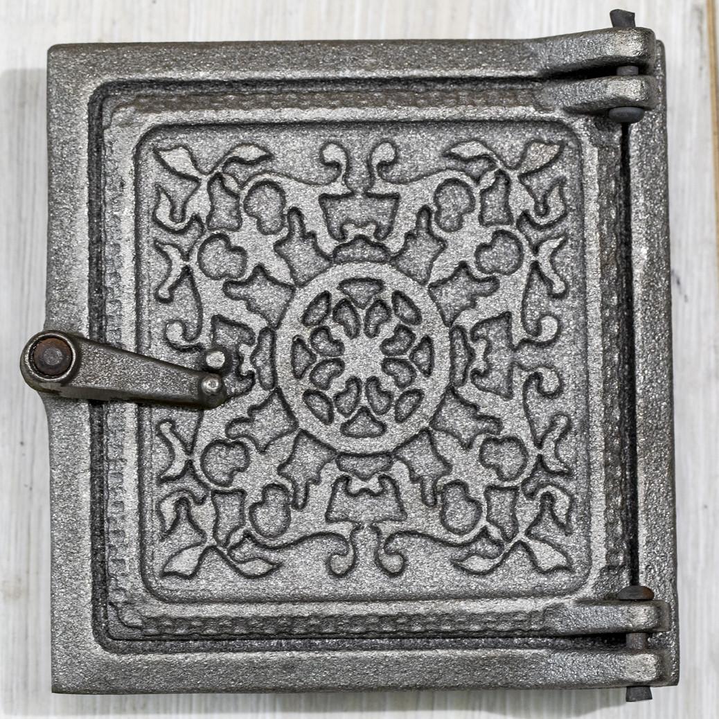 Чавунні дверцята сажотруска 135х130 мм