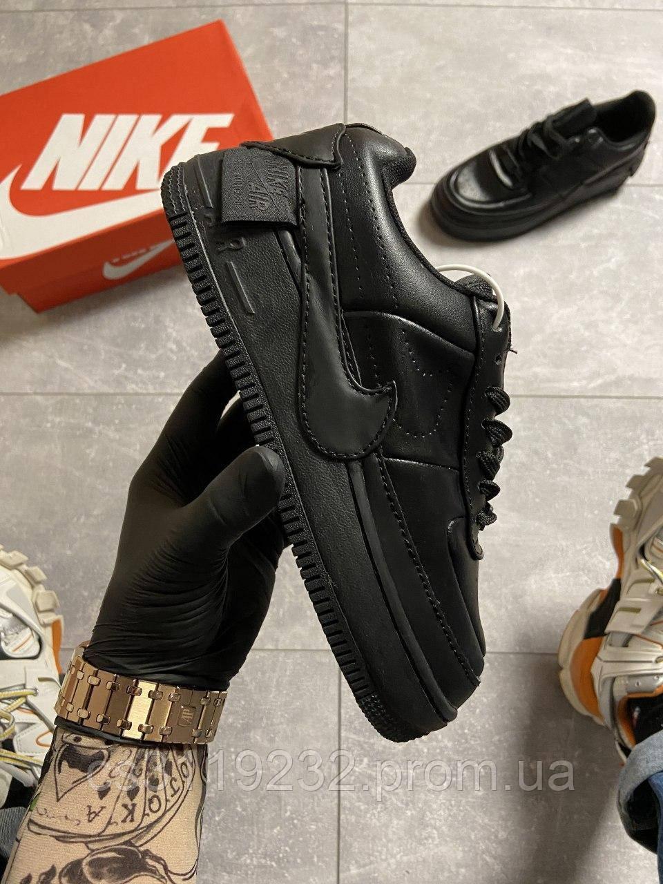 Женские кроссовки Nike Air Force 1 Jester XX Triple (черные)