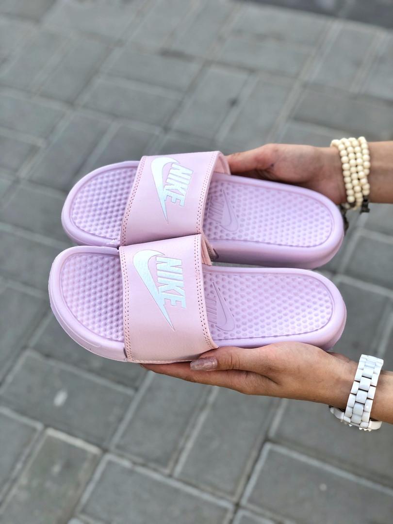 Женские шлепанцы Nike Benassi