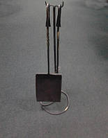 Набір лопатка і кочерга на підстваці