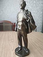 Скульптура В.Ульянов гимназист