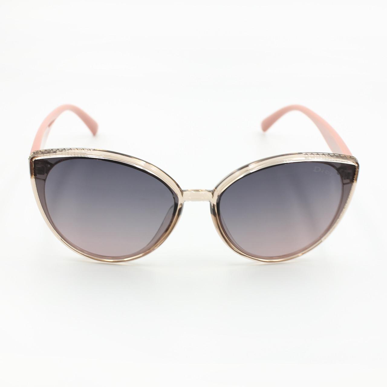 Модные cолнцезащитные очки с поляризацией