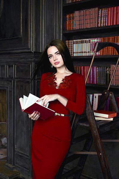 Красное строгое платье от Lusien 170