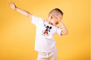 Крутая детская футболка с рисунком Микки Мауса на лето
