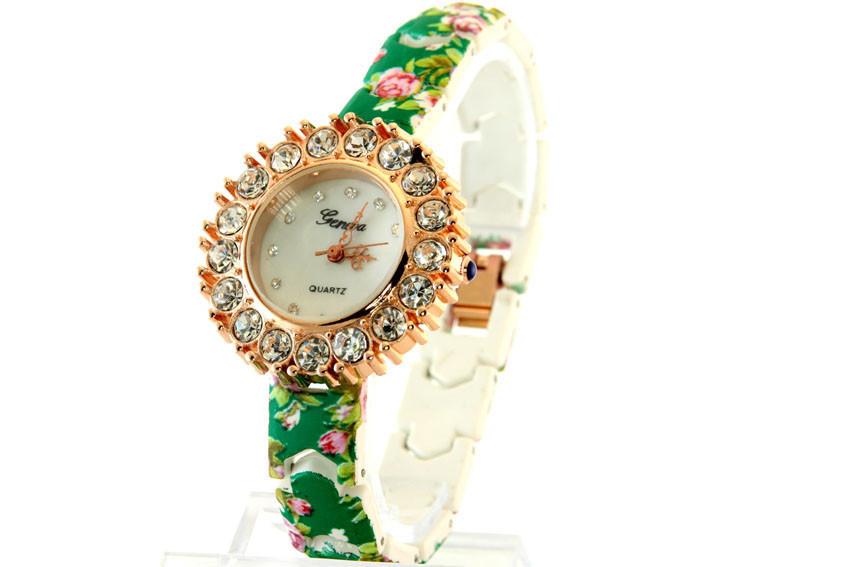 Женские часы Geneva + ПОДАРОК: Настенный Фонарик с регулятором BL-8772A