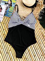 Женский черно-белый сдельный купальник больших размеров