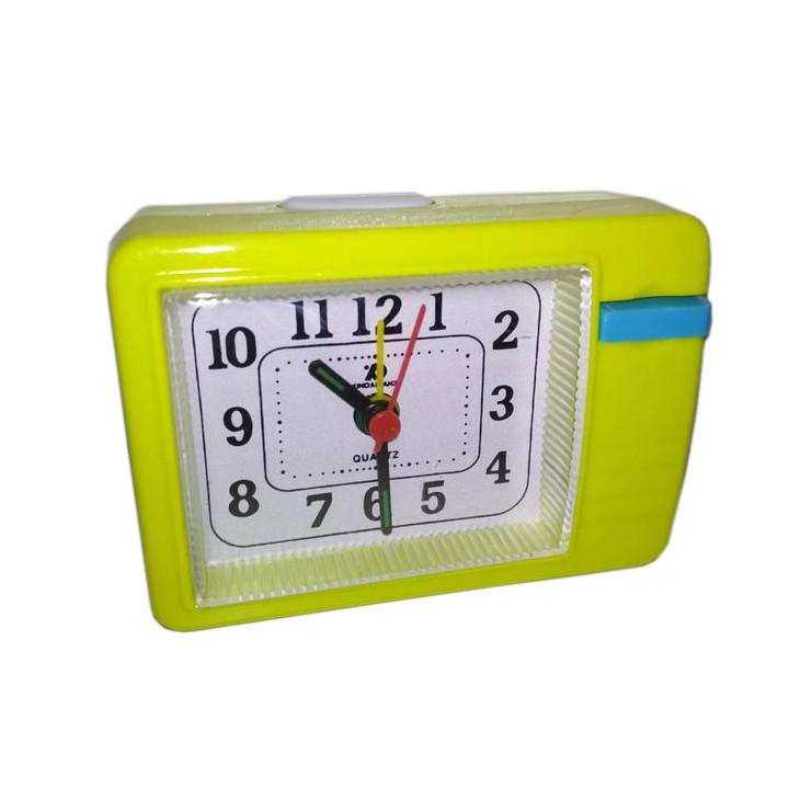 Настольные часы-будильник кварцевые XD-136