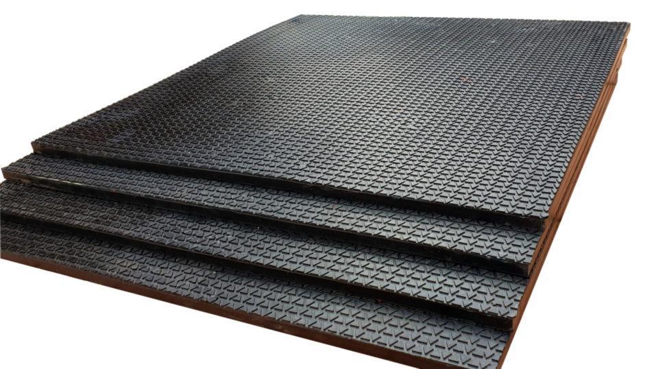 Коврик резиновый 500х500х10 под штангу или гантели. Напольное покрытие