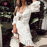 Белое летнее платье из прошвы с юбкой на запах и завязкой на груди 68031422, фото 2