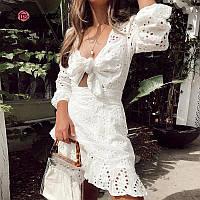 Белое летнее платье из прошвы с юбкой на запах и завязкой на груди 68PL1422, фото 1