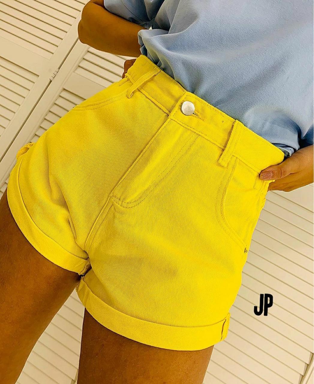 Яркие короткие джинсовые шорты с подоворотами 79sw16