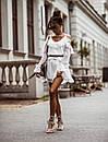 Белое шифоновое платье с расклешенной юбкой и открытыми плечами, на гурди и рукавах воланы 41plt1406, фото 2