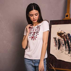 Белая футболка вышиванка Зоряна красная