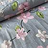 Ткань с крупными розовыми цветами на сером, ширина 220 см
