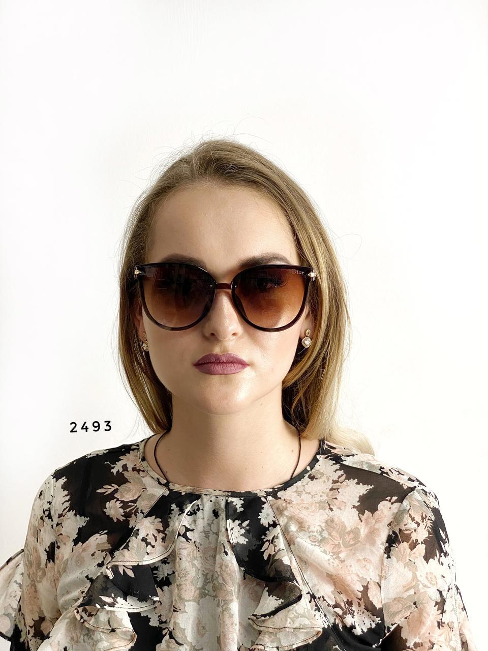 Стильные коричневые очки Dior