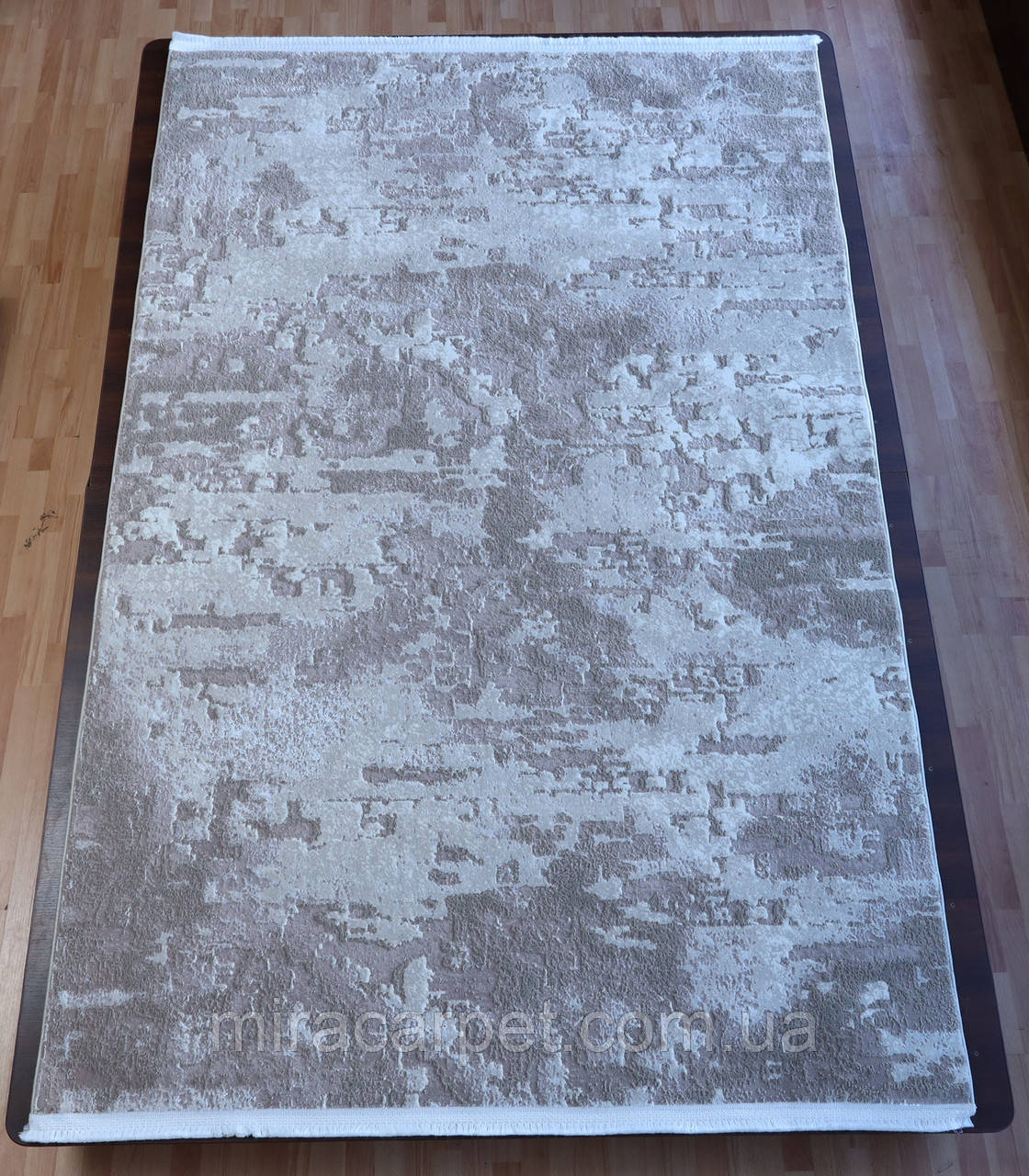 Бежего-белый прямоугольний ковер