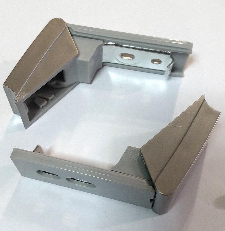 Крепления верхней ручки двери для холодильника Liebherr 9590178 (не оригинал)