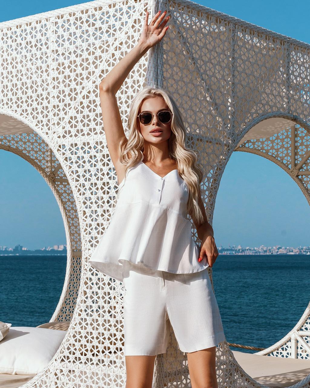 Женский костюм лён с шортиками Белый