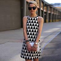 Платье трикотажное с треугольниками женское