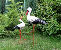 Декоративный аист с аистенком - садовые фигуры из керамики на металлических лапках (БК)