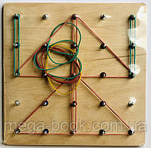 Математический планшет. Резиночки 20х20см. Поле 5х5 (цветные фишки)