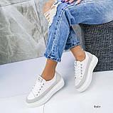 В наличии кроссовки, туфли, мокасины из натуральной кожи белого цвета с серой полоской, фото 2