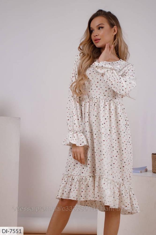 Женское платье длины миди с оборкой в цветочный принт