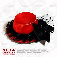 Красная шляпка мини с бантиком на заколках