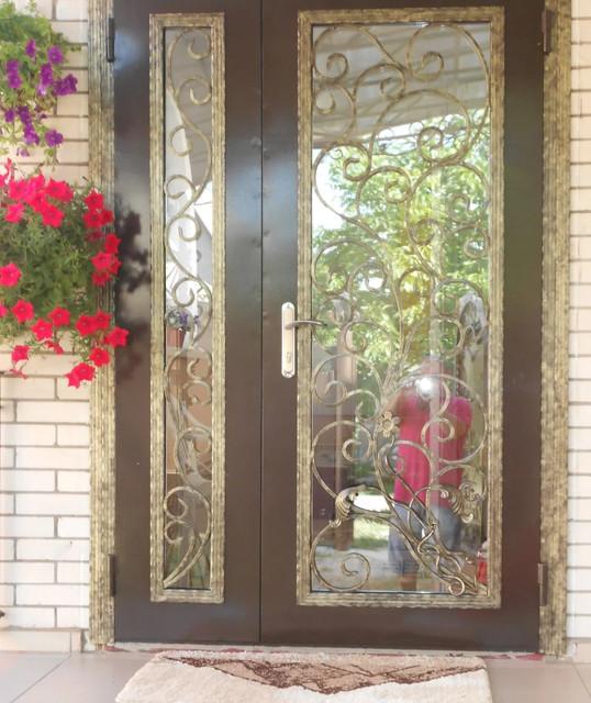 Вхідні двері з склом