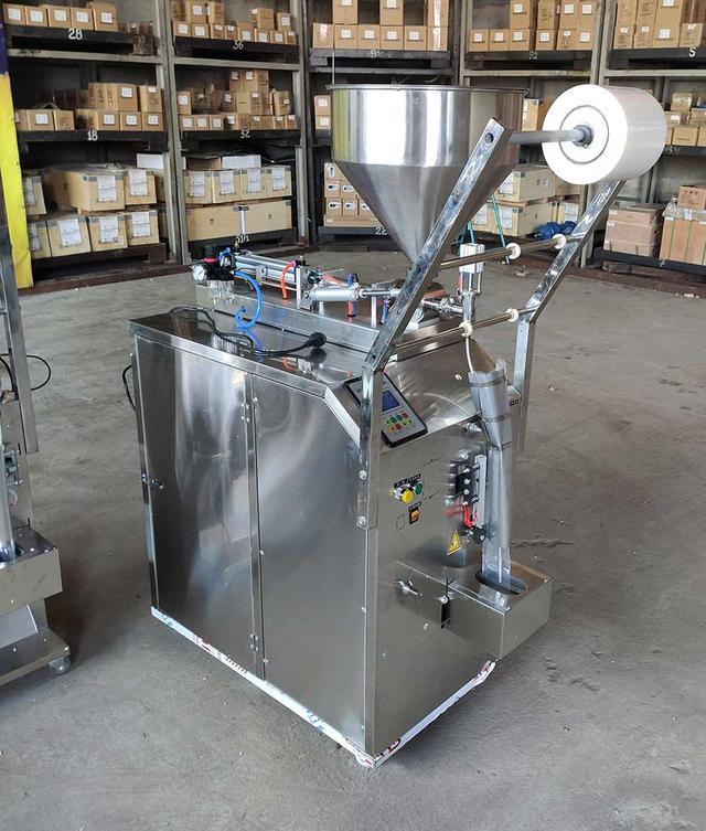 Фасовочно-упаковочная машина жидких продуктов