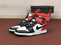 Женские кроссовки белые с черным и красным Air Jordan 1 Retro 8582