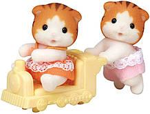 Набор фигурок Малыши Двойняшки Котики 1795 Maple Cat TwinCalico Critters Maple Cat Twins Sylvanian Families