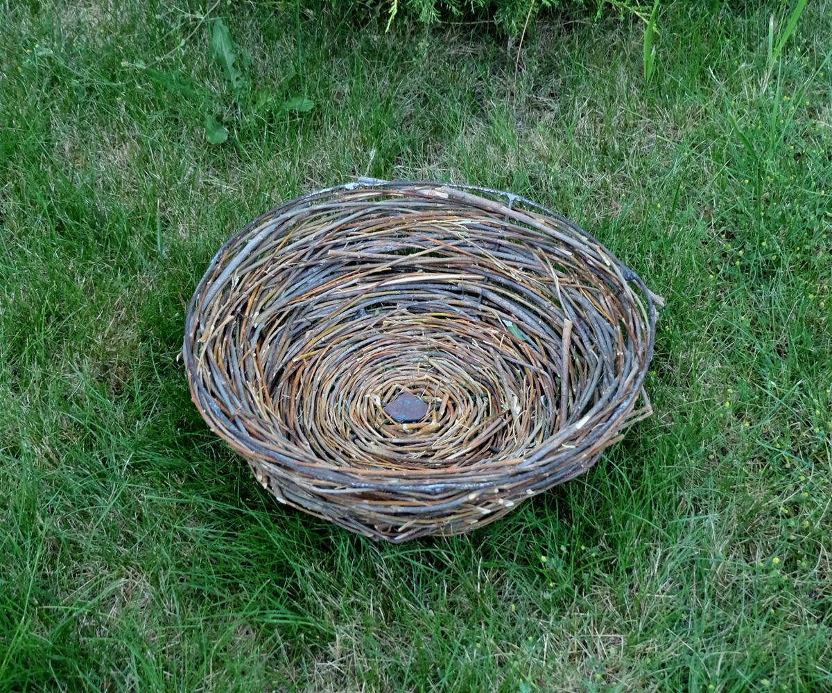 Плетеное декоративное гнездо для аистов, для сада, декора  из лозы диаметром 41 см