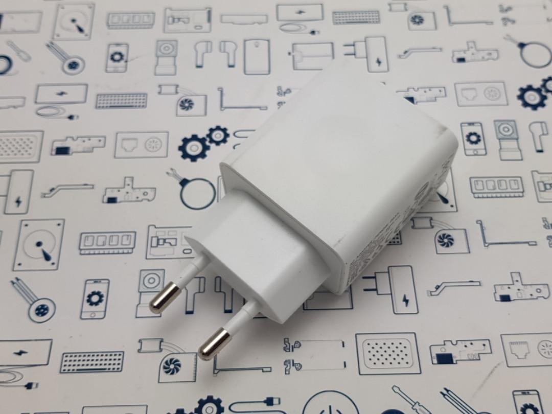 Оригинальный блок питания Lenovo C-P36 5.2V 2A белый С разборки