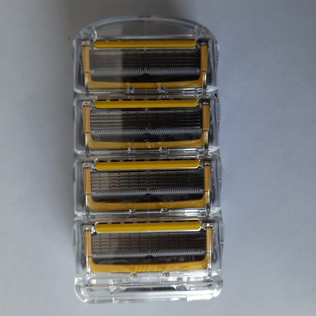 Кассеты Gillette Fusion 5 Proshield 4 шт. ( Картриджи жиллетт Фюжин 5 прошилд желтые продаются без упаковки !)