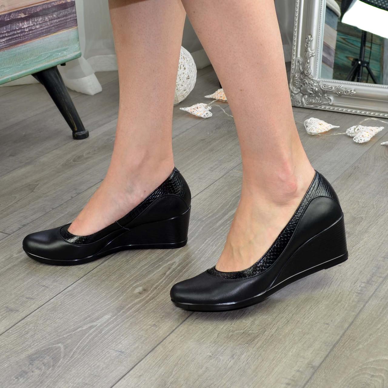"""Туфли женские классические на невысокой устойчивой платформе, натуральная кожа и кожа """"питон"""""""