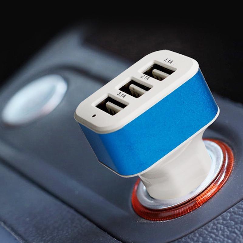 Универсальный автомобильный адаптер CAR USB 3 USB в прикуриватель