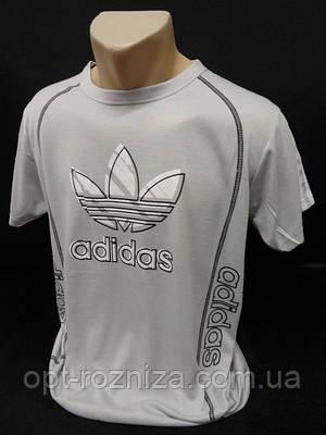 Молодіжні літні футболки з смужками на рукавах.