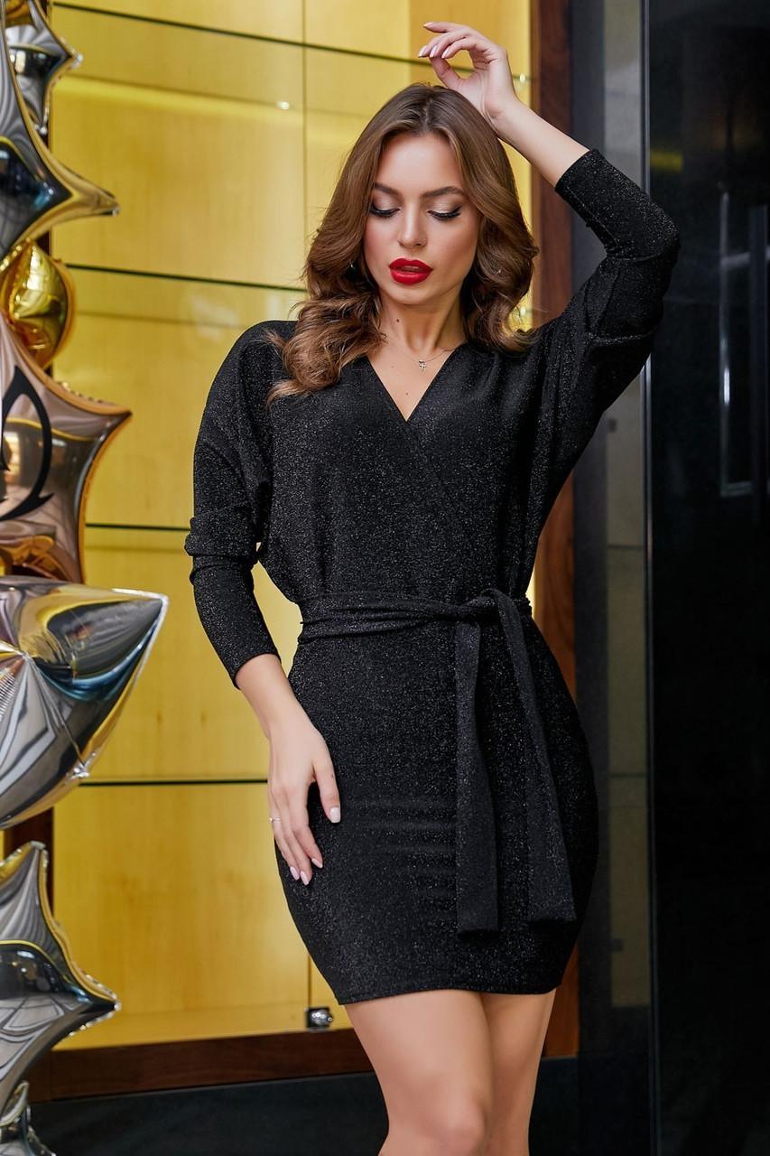 Трикотажное платье мини выше колена короткое с люрексом. Летучая мышь. Черное с блестками