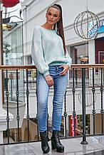 Жіночий светр з ромбами, з довгим рукавом і круглою горловиною. Теплий. Блакитний