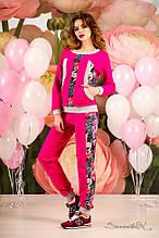 Женский трикотажный спортивный костюм с вставками цветочног принта. Малиновый, розовый