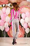Женский трикотажный спортивный костюм с вставками. На молнии. Малиновый, розовый с серым, фото 2