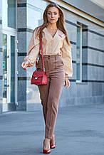Женские деловые штаны на высокой талии из костюмки. Прямые, с карманами. Бежевые